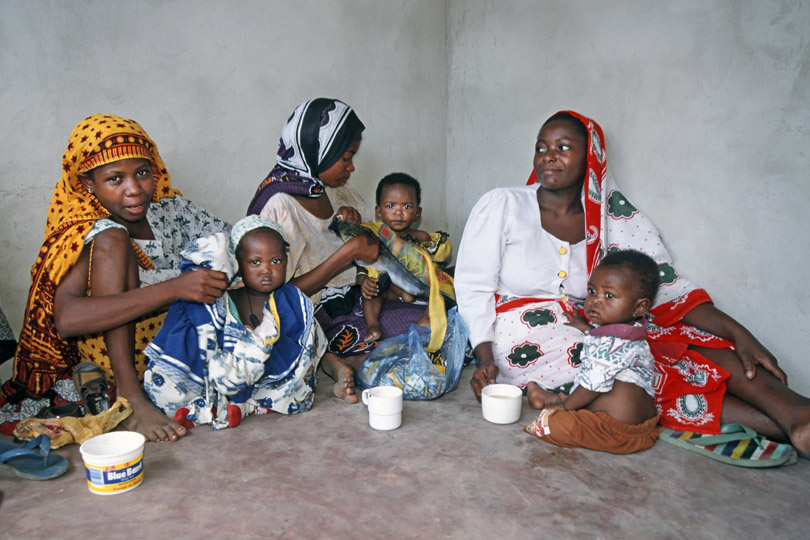 Mothers with children participating in <p>Mother & Child care programme, Zanzibar